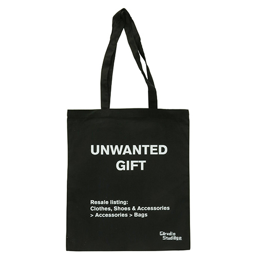 Tote Bags & Clutches